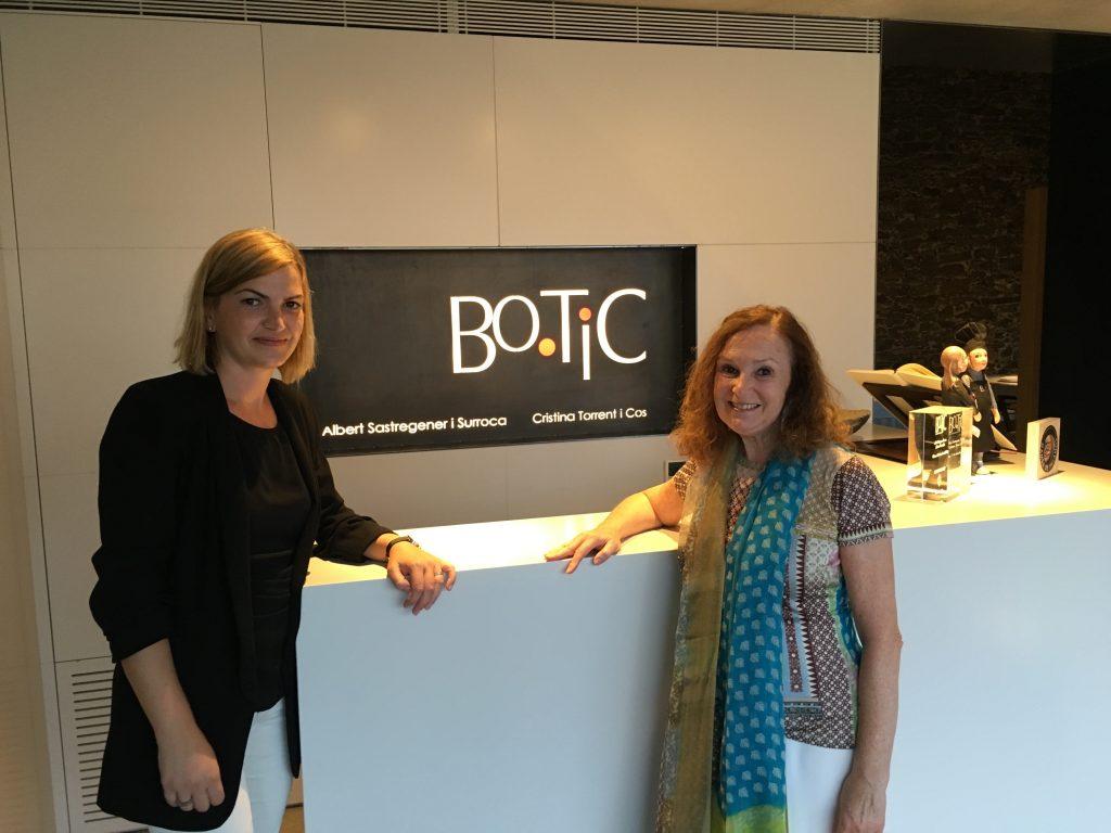 Pilar Latorre con Cristina Torrent Somelier y propietaria de Bo.Tic