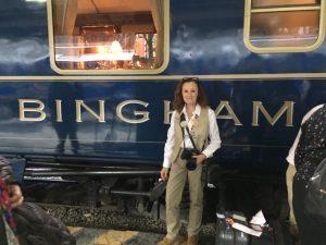 Pilar Latorre visitando a Piedad Champy a bordo del Orient Express Hiram Bingham